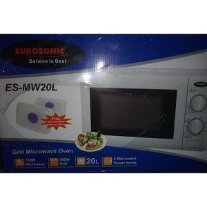 Eurosonic 20 Ltr -Bake + Heating+Toast +Top Grilling Oven + BBQ Function+1 Free Baking Pan + 2 Free Cupcake Pan + Free Key Holder